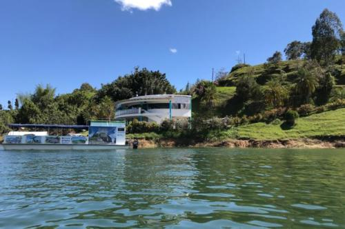 finca La Manuela, ubicada en El Peñol (Antioquia), antigua propiedad del narcotraficante Pablo Escobar