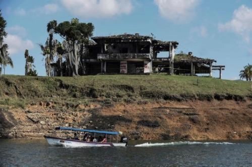finca La Manuela, ubicada en El Peñol (Antioquia), antigua propiedad del narcotraficante Pablo Escobar2